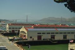 Piers In San Francisco With brosikter Loppet semestrar arkitektur fotografering för bildbyråer