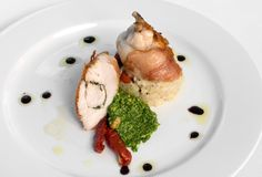 piersi kurczaka prosciutto zawijający Zdjęcie Royalty Free