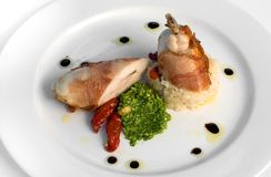 piersi kurczaka prosciutto zawijający Obraz Stock