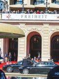 Pierwszorzędny minister Volker Bouffier opuszcza oficjalnego świętowanie a Fotografia Royalty Free