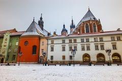 Pierwszy śnieg w małym rynku w Krakow, Polska Zdjęcie Stock
