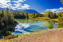 Pierwszy jezioro, dolina 5 jezior, Jaspisowy park narodowy, Alberta Fotografia Royalty Free
