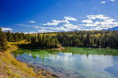 Pierwszy jezioro, dolina 5 jezior, Jaspisowy park narodowy, Alberta Obrazy Royalty Free
