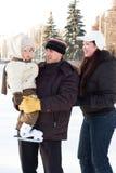 pierwszy raz na lodowisko zdjęcia royalty free