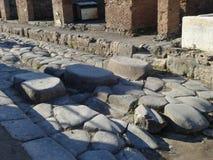 Pierwszy zebry skrzyżowanie przy Pompeii ruinami obraz stock