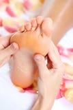 Pies de masaje. Foto de archivo
