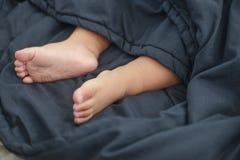 Pies lindos de bebé Imagen de archivo