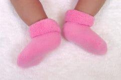 Pies recién nacidos del bebé Imágenes de archivo libres de regalías