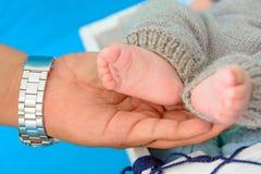 Pies recién nacidos del bebé Foto de archivo