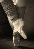 Pies retros de la bailarina Foto de archivo