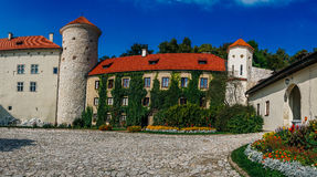 Pieskowa Skala Castle. PIESKOWA SKALA, POLAND - SEP 03, 2016: Entering the ruins of the castle can be seen from a distance already Ojcowa located on a high rock Stock Photo