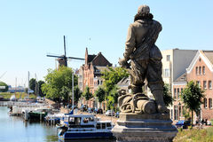 Piet Heyn雕象在Delfshaven,荷兰 库存图片