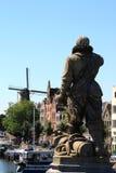 Piet Heyn雕象在Delfshaven,荷兰 图库摄影
