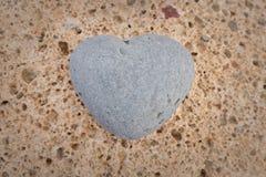 Pietra di forma del cuore Fotografie Stock