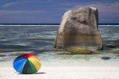 Pietra ed ombrello Fotografia Stock Libera da Diritti