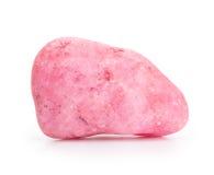Pietra grezza del quarzo di rosa isolata su bianco fotografie stock