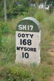 Pietra miliare di Ooty su 17 SH Fotografia Stock Libera da Diritti