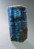 Pietra preziosa blu del minerale della cianite della macro fucilazione Fotografie Stock