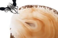 Pietra preziosa dell'agata isolata sopra fondo bianco Fotografia Stock