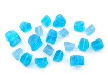 Pietra preziosa tonificata blu del quarzo isolata sulla fine bianca del fondo su Immagini Stock