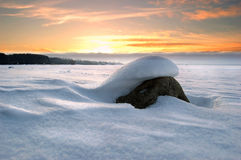 Pietra sotto neve Fotografie Stock