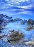 Pietra sul mare fra foschia Fotografia Stock Libera da Diritti