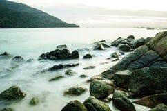 Pietra sull'isola in Tailandia Immagini Stock