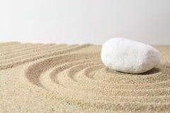 Pietra sulla sabbia Immagini Stock Libere da Diritti