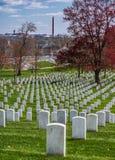 Pietra tombale al cimitero nazionale di Arlington immagini stock