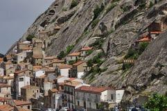 Pietrapertosa, Basilicate, Italie L'architecture traditionnelle de vieux village image libre de droits