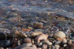 Pietre, bagnate, sotto acqua Fotografia Stock