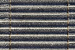Pietre del granito con le scanalature come grondaie per drenaggio sicuro-footedn fotografia stock libera da diritti