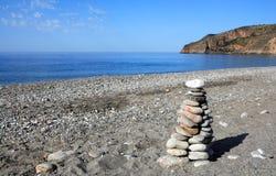 Pietre dell'equilibrio a Sougia Fotografia Stock