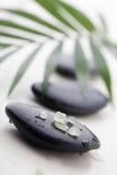 Pietre di massaggio immagine stock
