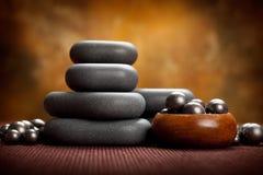 Pietre di massaggio della stazione termale Fotografie Stock Libere da Diritti
