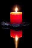 Pietre di zen e candele aromatiche. Fotografia Stock