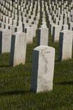 Pietre tombali militari bianche fotografie stock