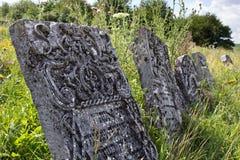 Pietre tombali in vecchio cimitero ebreo Fotografie Stock
