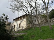 Pietrelcina - en skymt av Palazzo Bozzi royaltyfri bild
