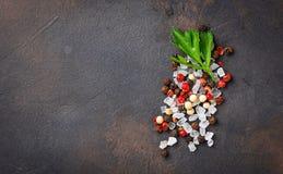 Pietruszka, sól i pieprz, tło kulinarny obrazy royalty free