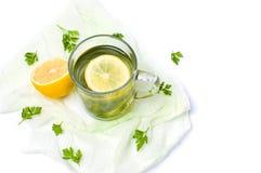 Pietruszki herbata z cytryny i wapna plasterkami Zdjęcie Royalty Free