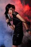 śpiewacka kobieta Obrazy Stock