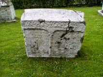 Pieza bosnio de la piedra sepulcral de Stecak de historia Imagen de archivo