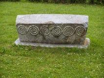 Pieza bosnio de la piedra sepulcral de Stecak de historia del midage Imágenes de archivo libres de regalías