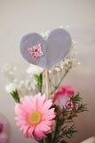 Pieza central del corazón del partido de la tarjeta del día de San Valentín Fotografía de archivo libre de regalías
