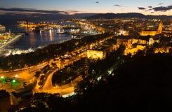 Pieza de la playa de Málaga con el puerto del castillo Foto de archivo libre de regalías