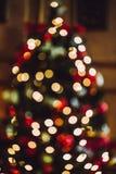 Pieza del árbol de navidad adornado Bokeh Hacia fuera foco Fotografía de archivo libre de regalías