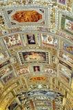 Pieza del techo de la galería de los museos del Vaticano Foto de archivo libre de regalías