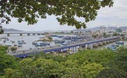 Piezas de conexión del puente de la ciudad foto de archivo