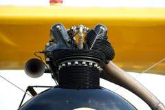 Piezas del carburador del motor del aeroplano del vintage fotos de archivo